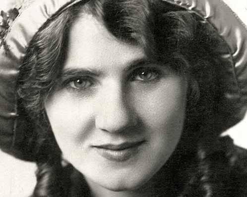 Florence Lawrence, aka The Biograph Girl, 1905